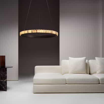CTO Lighting lanza una colección de lámparas de araña Avalon en forma de anillo