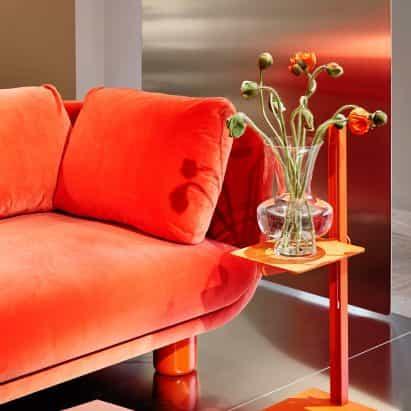Famna sofá por TAF es compatible con la niñera en el abrazo cómoda
