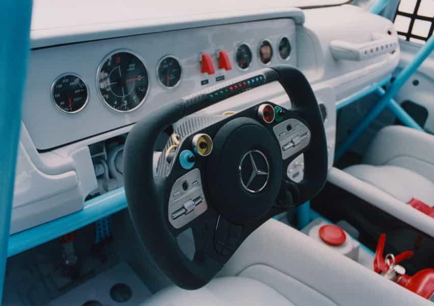 Salpicadero y volante de coche Proyecto Geländewagen por Virgilio Abloh y Mercedes Benz