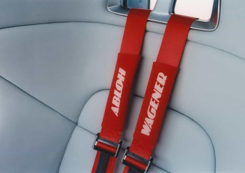 cinturones de seguridad rojos en coche Proyecto Geländewagen por Virgilio Abloh y Mercedes Benz