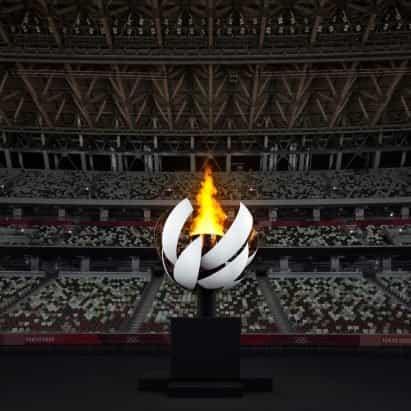 Nendo crea un caldero olímpico esférico con llama de hidrógeno
