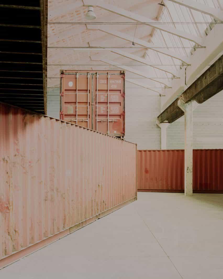 instalación del contenedor de envío