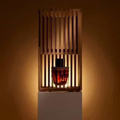 David Adjaye diseña una botella para celebrar el whisky de malta único más antiguo del mundo