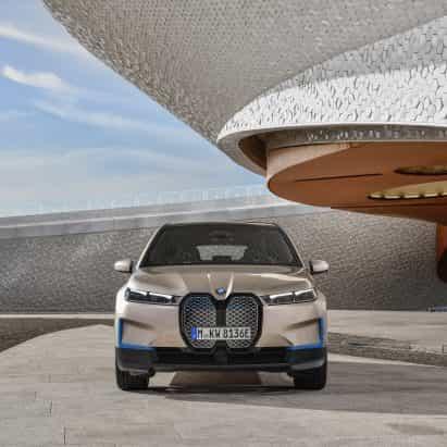 """El nuevo coche eléctrico iX de BMW contará con """"una sinfonía completamente nueva"""" compuesta por Hans Zimmer"""