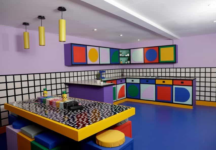 Camille Walala decora Cámara de los puntos con más de 2 millones de piezas de Lego