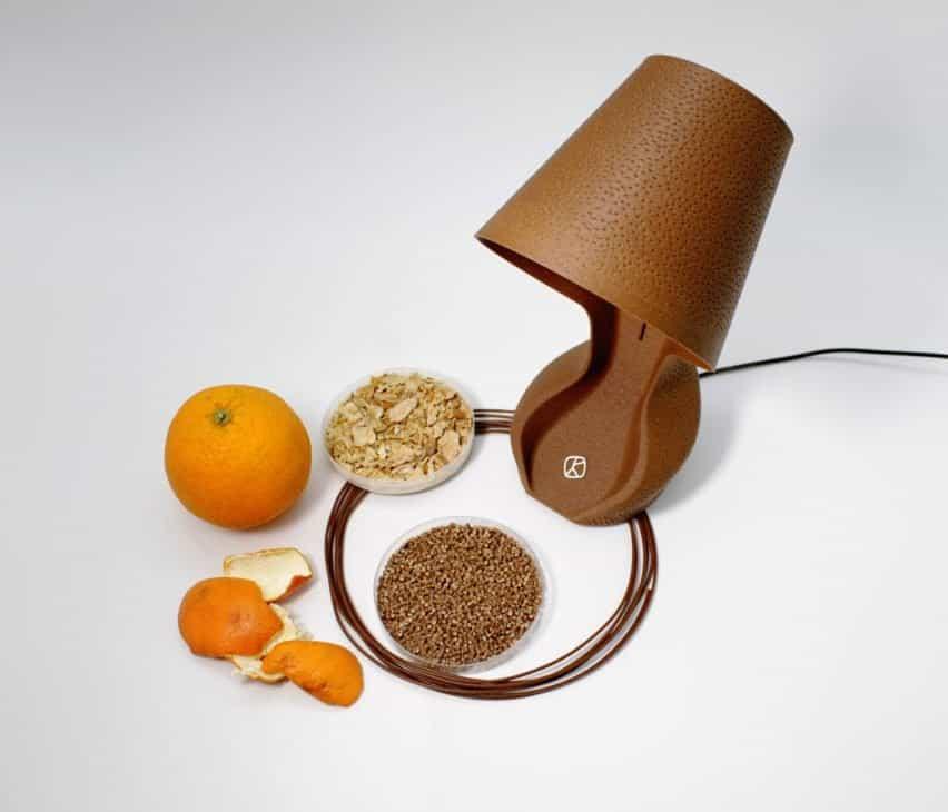lámpara ohmie hecha de piel de naranja