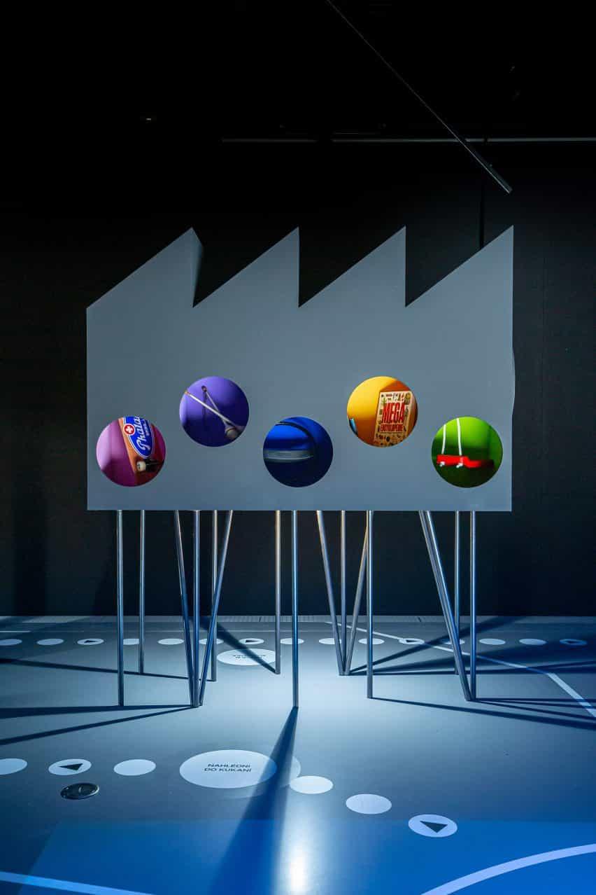 modelo de fábrica exposición Urbania diseñada por RSAA de derechos de propiedad intelectual Praha en Praga, República Checa