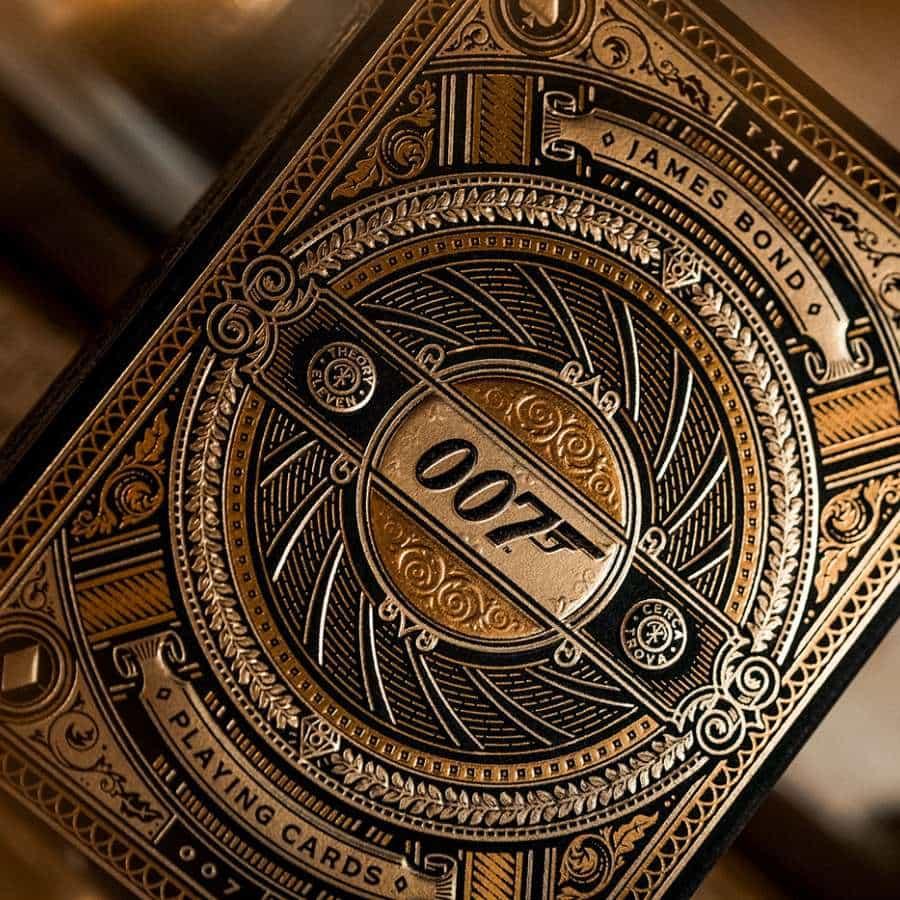 Theory11 x Baraja de cartas doradas de James Bond