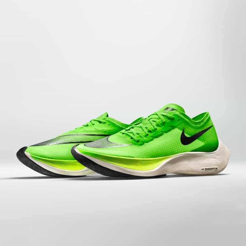 El Nike ZoomX Vaporfly SIGUIENTE% es una actualización del entrenador maratón de marcha previa de Nike, el Nike Zoom Vaporfly 4%