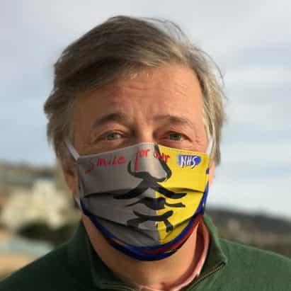 """lanzamientos de Ron Arad """"Sonrisa para nuestro NHS"""" recaudación de fondos con las máscaras de artistas famosos"""