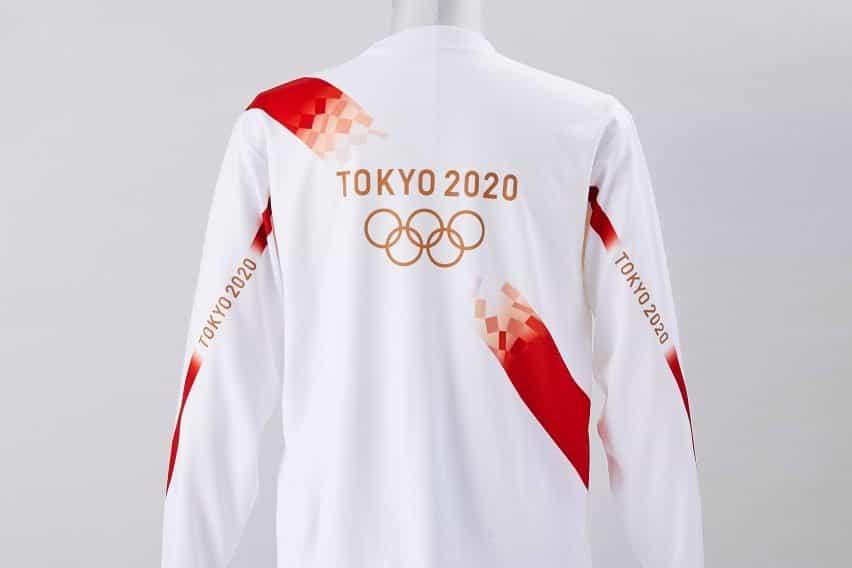 Pantalones cortos de portador de la antorcha y camiseta uniforme olímpico