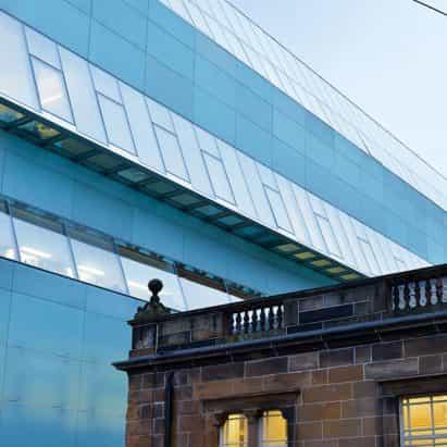 """Estudiantes demandarán a la Escuela de Arte de Glasgow por """"educación insuficiente"""" durante la pandemia"""