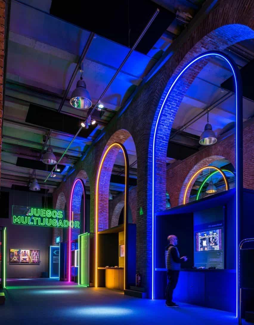 arcos de LED en el diseño de juegos de vídeo de la exposición inteligente y verde Diseño