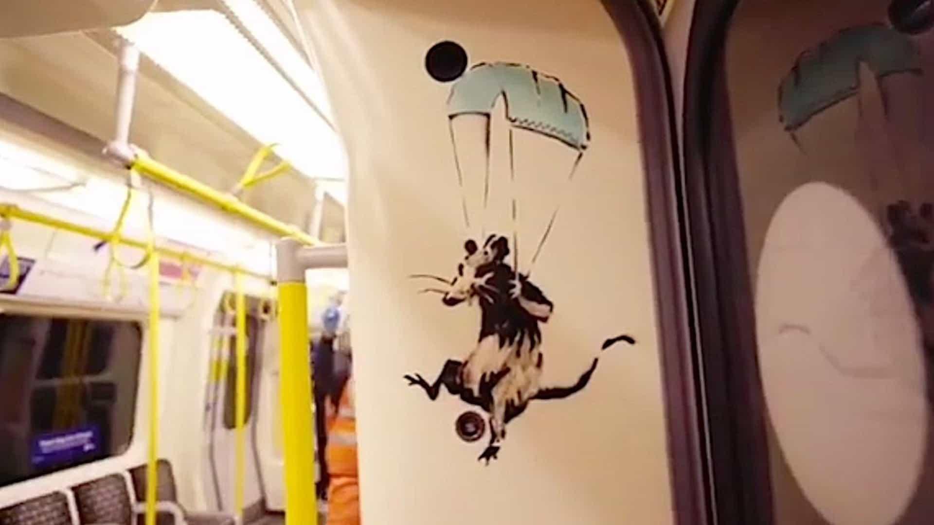 Aparece temático del arte de coronavirus (brevemente) en el metro de Londres.