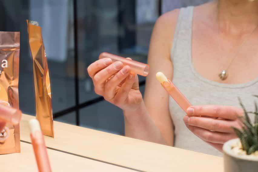 Sukha concepto de la materia permite a las mujeres llevar a cabo en casa frotis de pruebas