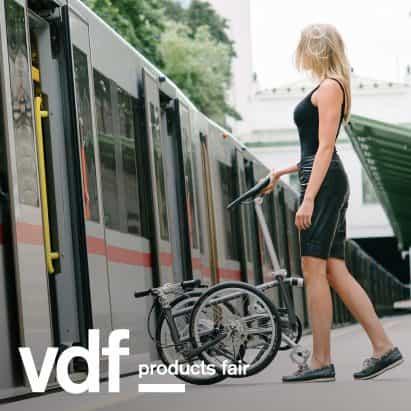 Vello vitrinas tres bicicletas plegables en VDF productos justo