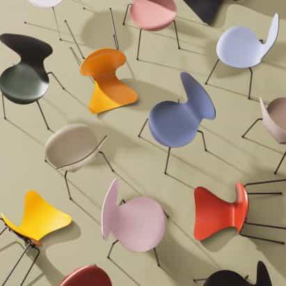 Fritz Hansen lanzamientos de sillas de Arne Jacobsen en 16 nuevos colores