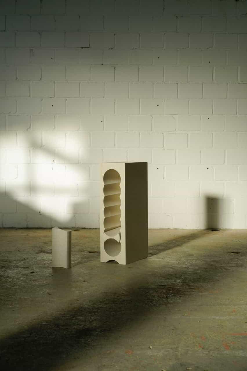 Mesa auxiliar de piedra caliza de 5 alturas teil con estante móvil