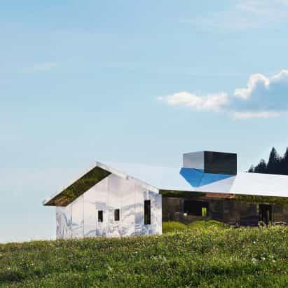 espejos cambio de pabellón Mirage Gstaad reloj Doug Aitken con las estaciones