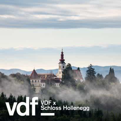 Recorrido por la exposición de diseño en el castillo austríaco histórica con la curadora Alicia Stori Liechtenstein como parte de VDF