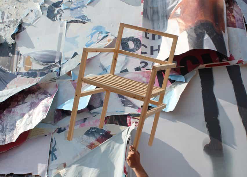 Tom y Will Butterfield invitan a los diseñadores a reimaginar 19 sillas de madera al descubierto