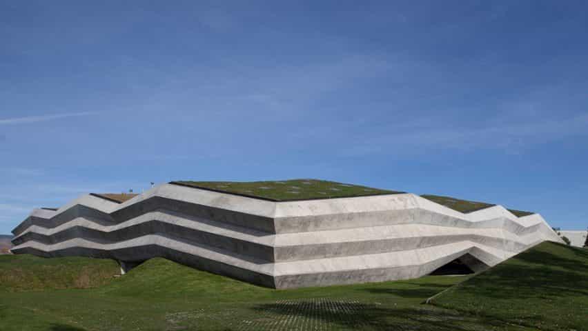 Café Planta de Producción por Giorgi Khmaladze Arquitectos