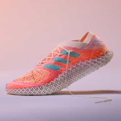 """Adidas crea un robot tejidas parte superior entrenador de """"nuevo tipo de textil"""""""