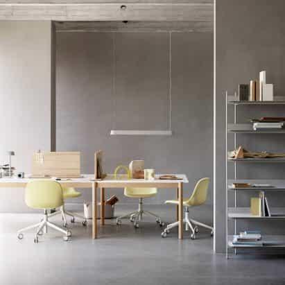 Serie del Sistema lineal de Thomas Bentzen para Muuto ayuda a crear espacios de trabajo personalizados