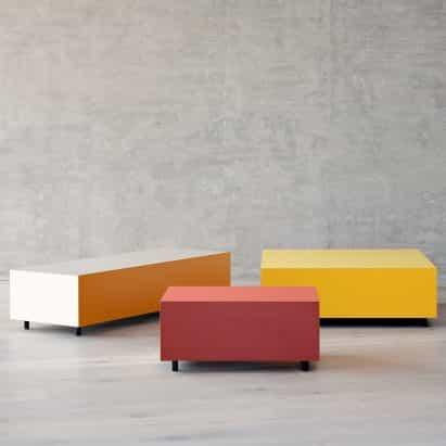 mesas laterales del bloque de Pauline Deltour para Established & Sons