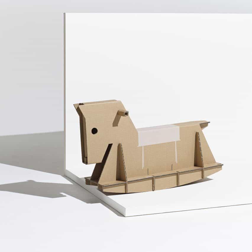 El caballo de oscilación Rider de André Cardoso