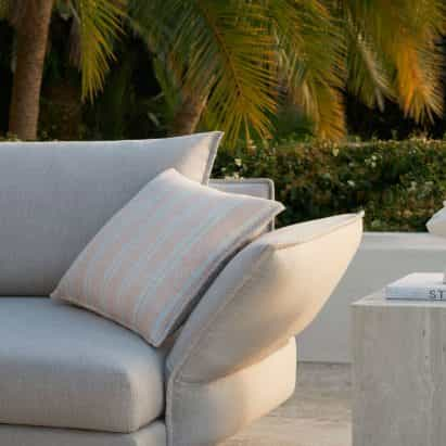 Zaza sofá al aire libre de Charles Wilson para King
