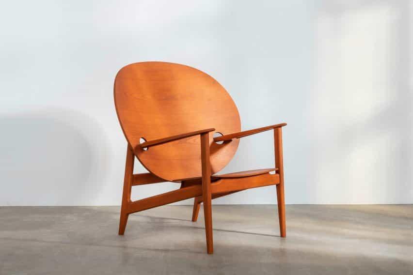 La silla Iklwa de referencia en naranja