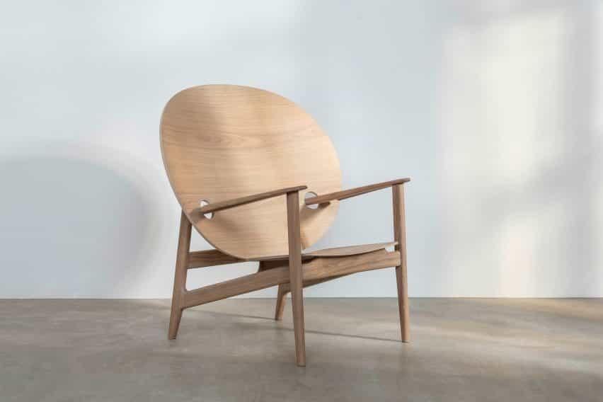 Iklwa silla en la ceniza y el roble por Mac Collins