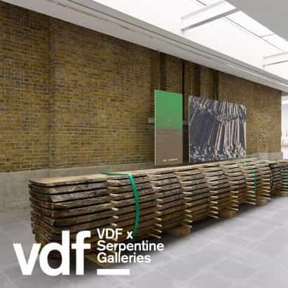Serpentine Gallery estrenos Volver a la Tierra Podcast exploración de diseño ecológico en Virtual Design Festival