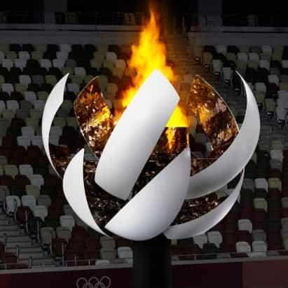 Mira cómo se abre el caldero de Nendo en Tokio 2020 para revelar la llama olímpica