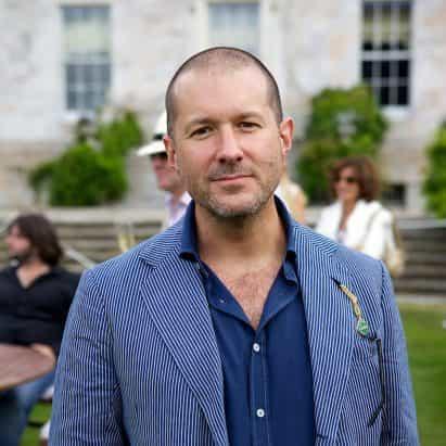 """Jony Ive al diseño de """"la próxima generación de productos de Airbnb"""""""