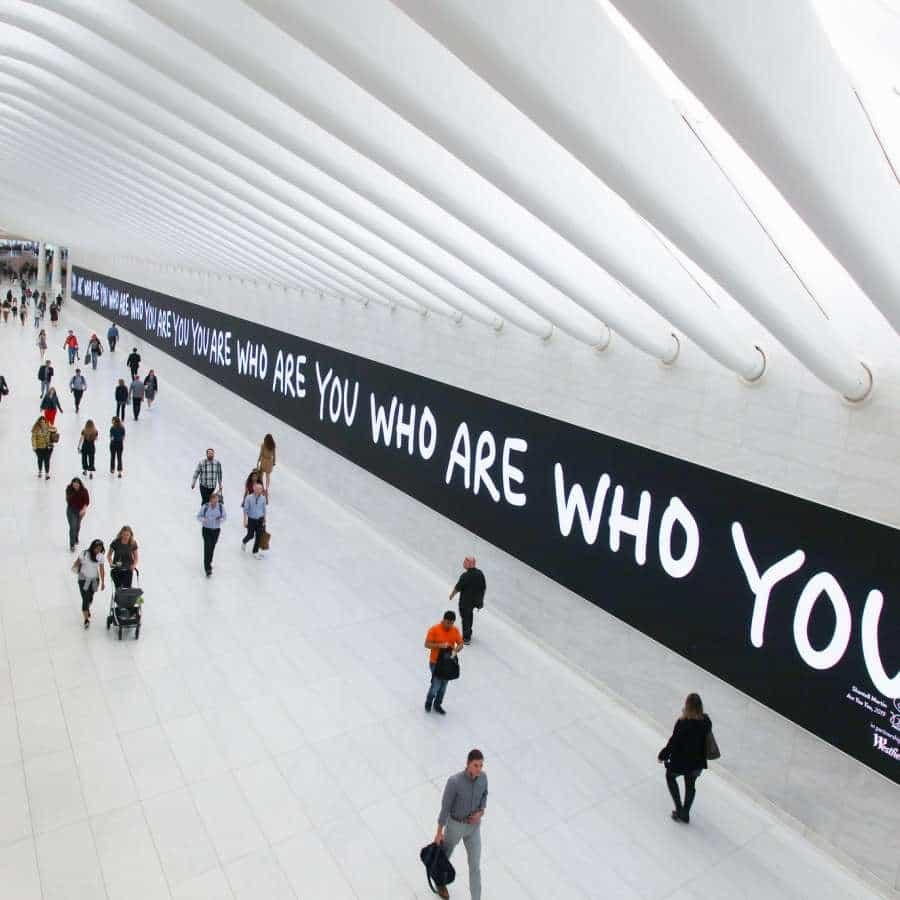 Shantell Martin es un artista con sede en Nueva York, Nueva York, EE.UU.; que recientemente compartió un proyecto en el que colaboran con las Oculus. A pesar de que este proyecto se ha producido el año pasado, creo que con los momentos que estamos viviendo actualmente. Este es el momento adecuado para hacerlo.