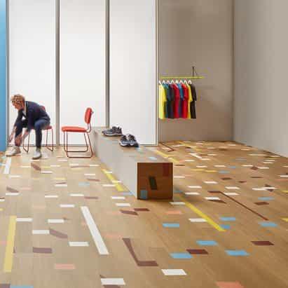 Vinilo Allura azulejos imitan el aspecto de un suelo del gimnasio recuperada