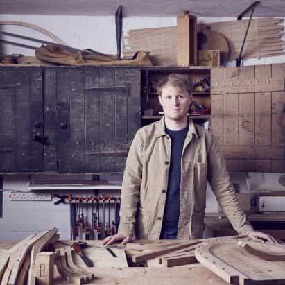 """""""Ya somos carbono negativos por un largo tiempo"""", dice el fabricante de muebles Sebastian Cox."""