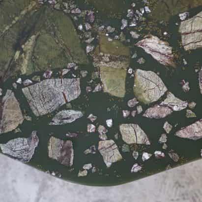Fragmentos de la Avenida tablas T Sakhi emular a la descomposición de materia