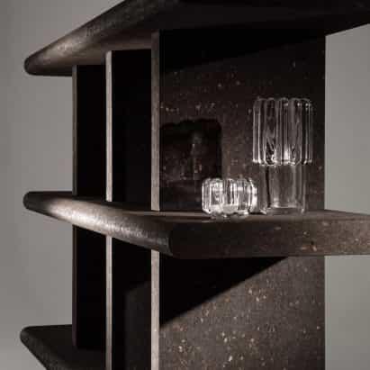 """Tom Dixon diseña colección de muebles de """"sueño material de"""" corcho"""
