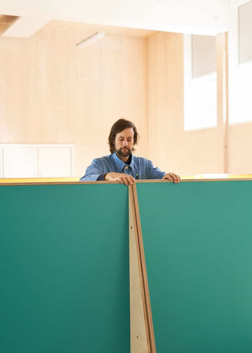 muebles Distanciamiento social de la escuela primaria de Charles Dickens por UNIDAD Fabricaciones