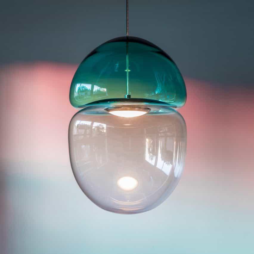 Lámpara colgante Dew & Drop de Ocrum Studios