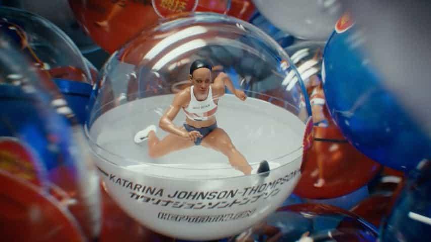 La heptatleta Katarina Johnson-Thompson aparece en los juguetes de gashapon en el tráiler de la BBC para los Juegos Olímpicos de Tokio 2020 producido por Factory Fifteen y Nexus Studios