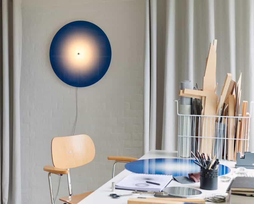 Ombre Light de Mette Schelde en un espacio de estudio