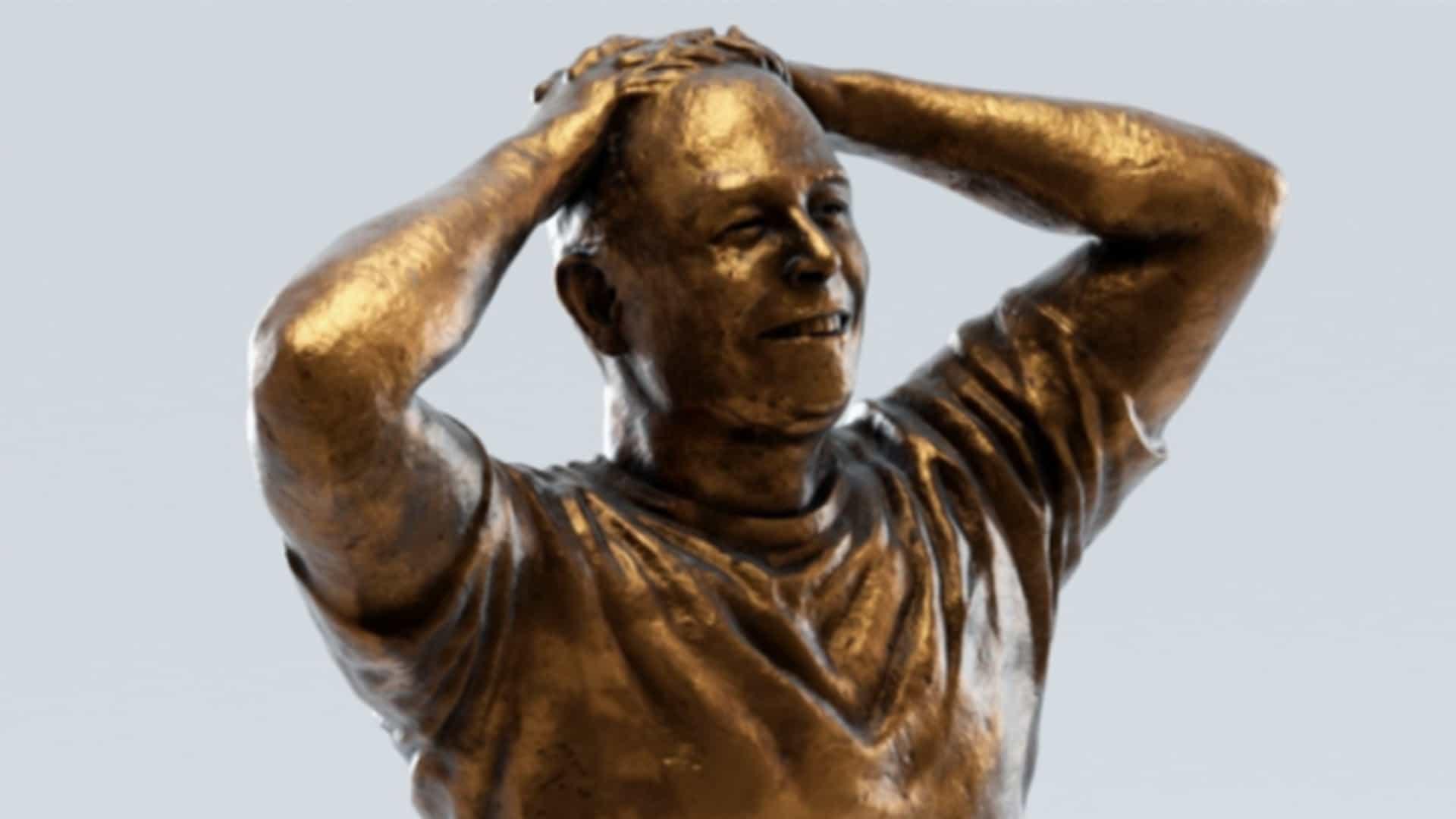 Esta terrible nueva estatua de Elon Musk está siendo atacada en línea