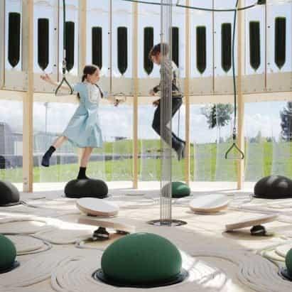 EcoLogicStudio utiliza algas para purificar el aire dentro de un parque infantil cerrado para niños