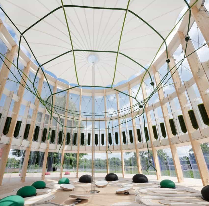Interior airBubble con anillo de biorreactores de algas