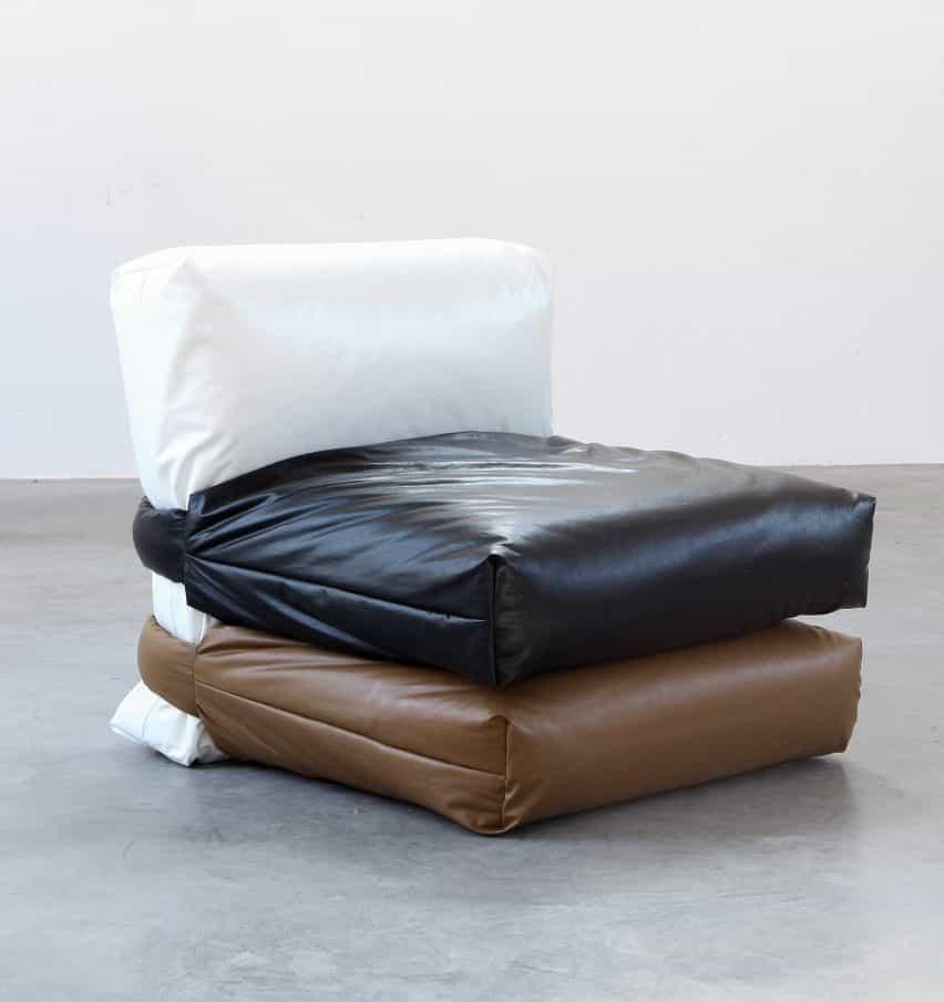 Muller Van Severen diseños de la almohada del sofá basado en acolchada bolso de la almohadilla de Kassl Edición