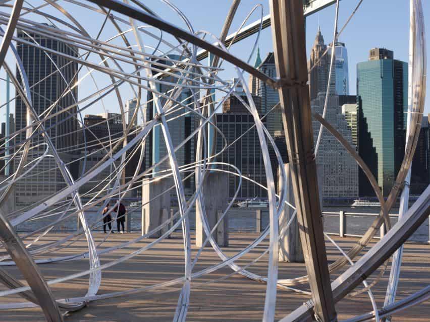 Nueva York Compensación por Antony Gormley